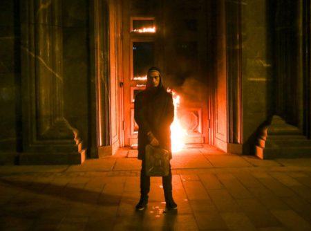 В Норвегии и США за поджог двери дают премии