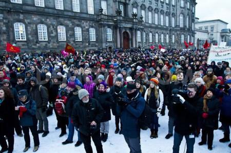 В Дании протестуют против продажи части DONG Energy