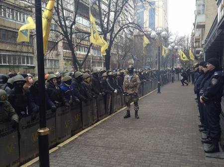 Нацистская группировка «Правый сектор» в Киеве.