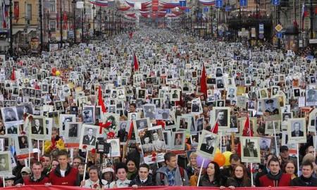 На шествие «Бессмертного полка» в Москве пришли более 500 тысяч человек