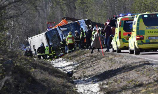 Автобус со школьниками попал в ДТП в Швеции