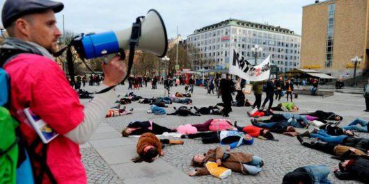 Митинг в 2012 году в Стокгольме против экспорта шведских вооружений