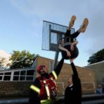 Датский подросток застрял в баскетбольной корзине