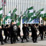 Нацистский марш в центре Гётеборга