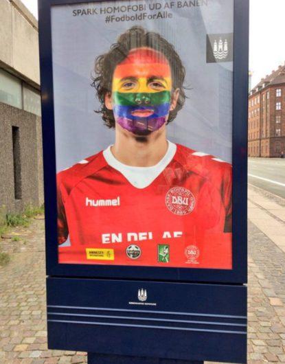 В Дании прошла акция в поддержку клоунов-гомосексуалистов