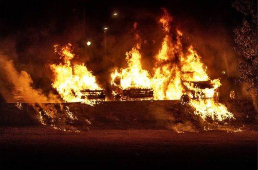 В Тролльхеттане сожгли шесть машин