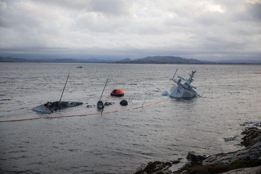 Утонул норвежский фрегат Helge Ingstad