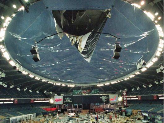 На «Олимпийском стадионе»/Olympic Stadium в Канаде обрушилась крыша
