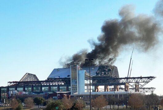 Пожар на стадионе «Глоуб Лайф-филд»/Globe Life Field (Арлингтон, США)